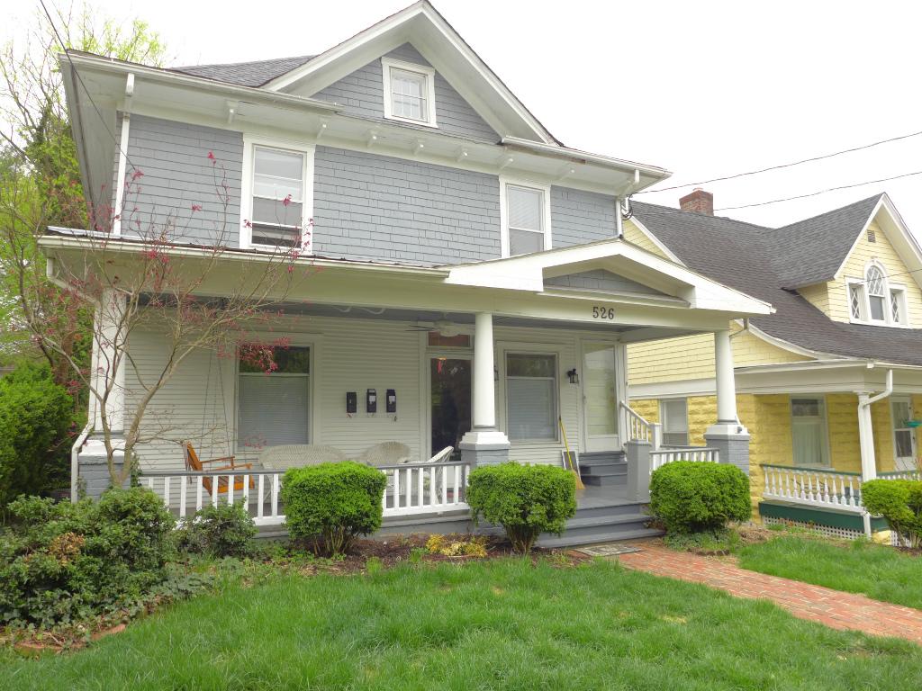 526 King George Ave SW in Roanoke, VA