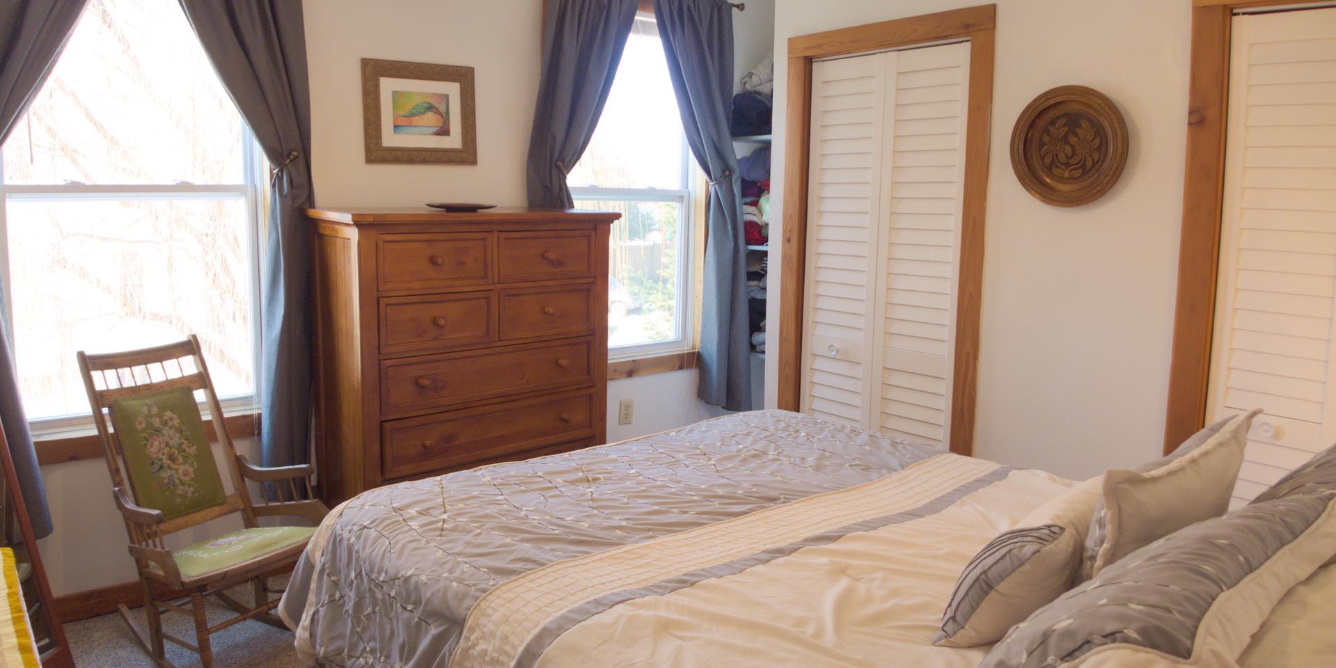 1831 Oxford Ave SW u2013 Bedroom in