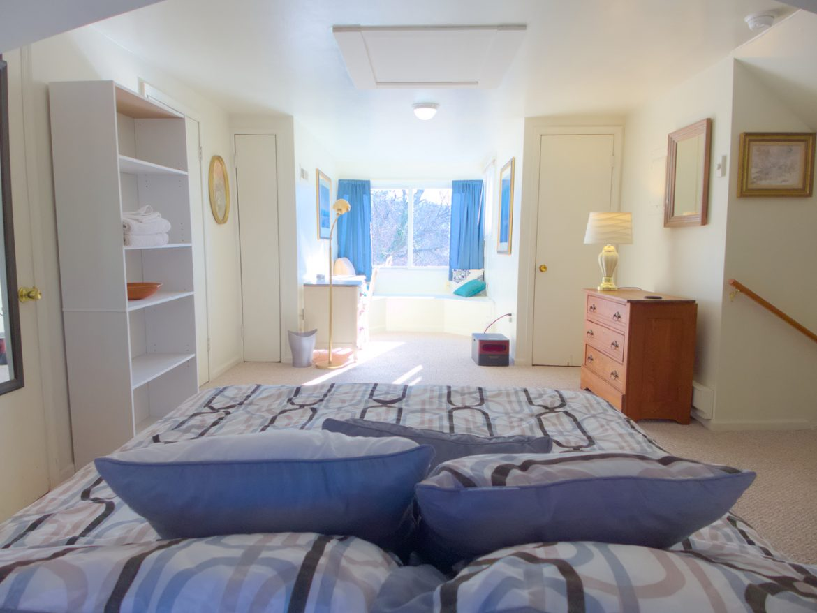 526 King George Ave SW – Attic Bedroom with View of Mountains/Walk-In Closets